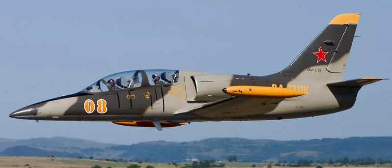 Самолет Aero L-39