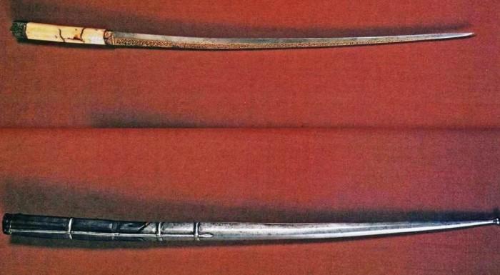 Старинный нож