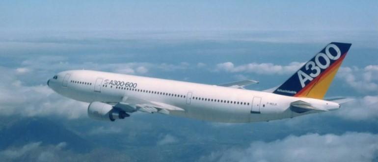 Самолет А300