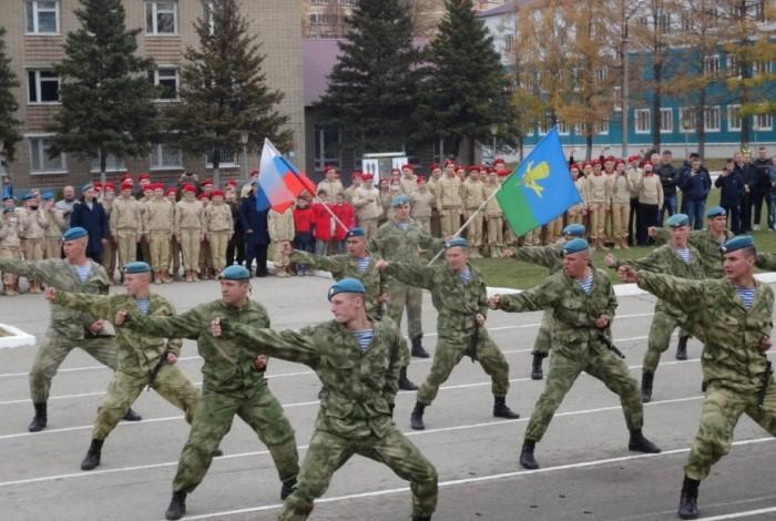 Солдаты демонстрируют навыки