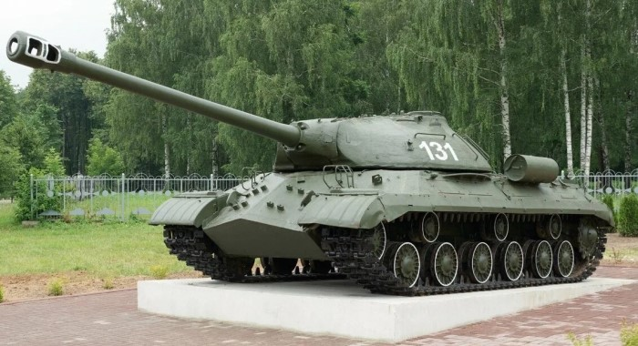 Тяжелый советский танк