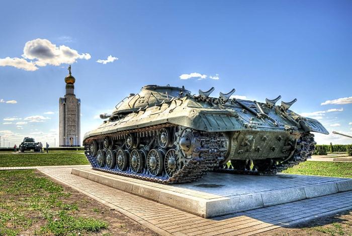 Грозный танк