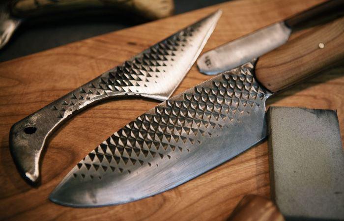 Красивый нож