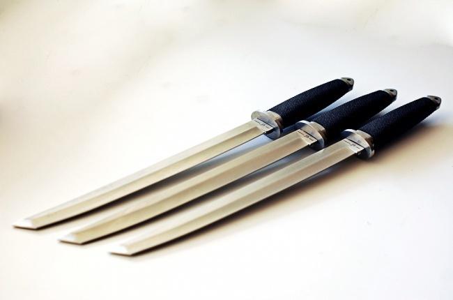 Три ножа танто