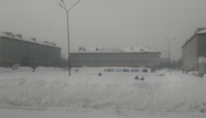 Часть зимой