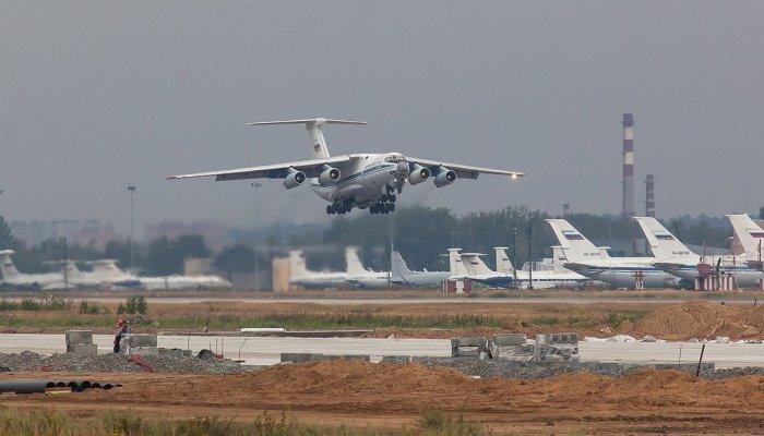 Самолет идет на посадку