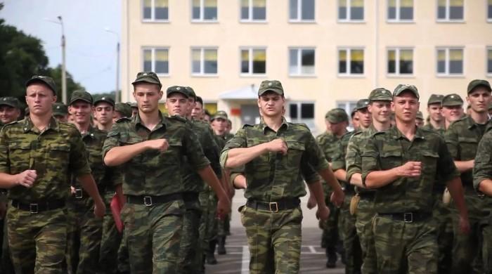 Солдаты в строю