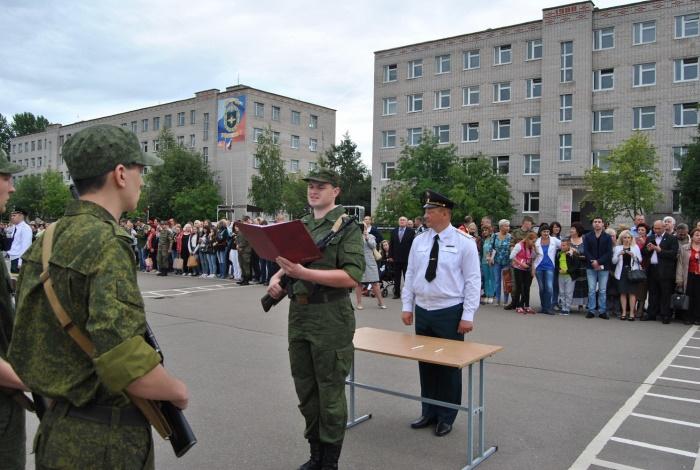 Принятие присяги солдатом