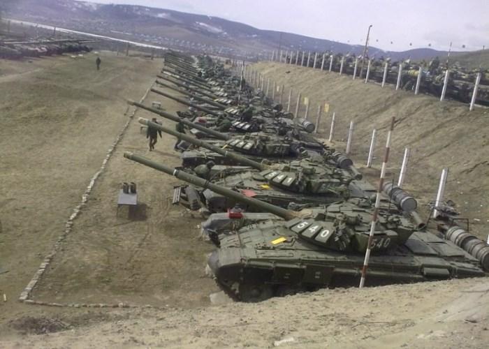 Стоянка танков