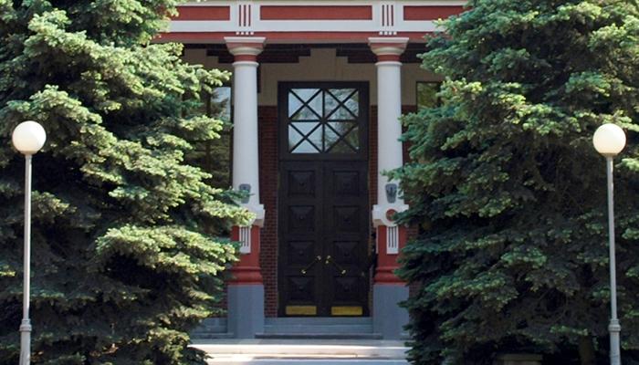 Двери ВУЗа