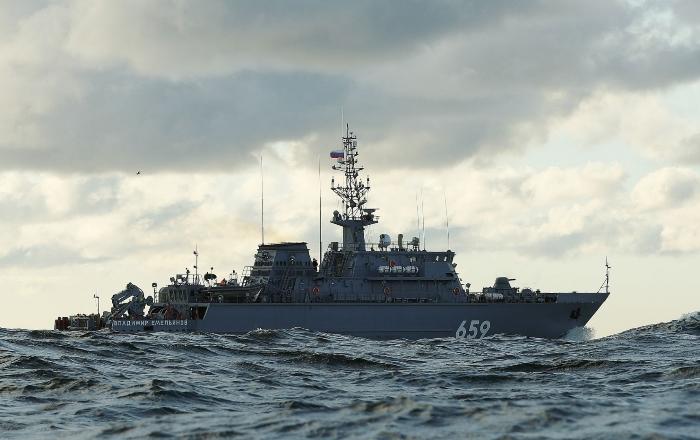 Корабль пмо «Владимир Емельянов»