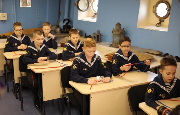 Курсанты на занятиях